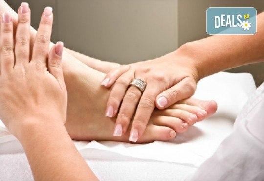 60-минутен ароматерапевтичен масаж на цяло тяло с натурални масла от розмарин и лавандула + бонус: 10-минутен масаж на ходила в салон Ивида! - Снимка 4