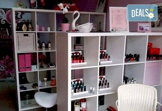 Свежа и сияйна кожа с мануално почистване на лице в 6 стъпки в салон за красота V and A Glamour! - Снимка 6