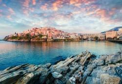 Слънчев уикенд в Кавала, Гърция, с Еко Тур! 1 нощувка със закуска в Nefeli Hotel 2*, транспорт и възможност за плаж в Амолофи и Неа Ираклица - Снимка