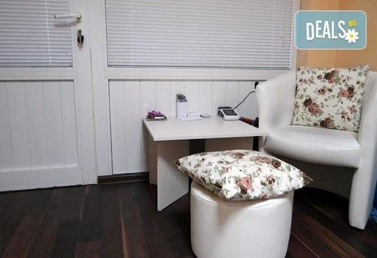 Антицелулитен масаж с масло от хвойна - ръчен, с вендуза или с бамбук, на зони по избор, 50 мин., в масажно студио REVIVE, София - център - Снимка 9