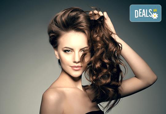 Терапия против косопад с инфраред преса и ампула, подстригване и прическа със сешоар в козметично студио Beauty - Снимка 1