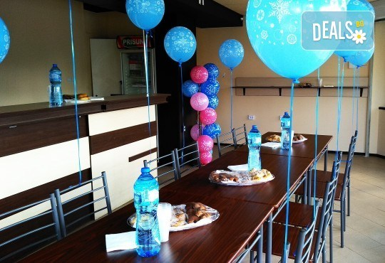 Наем на парти център Замръзналото кралство за рожден ден до 8 деца с аниматор, грим и меню за всяко дете! - Снимка 10