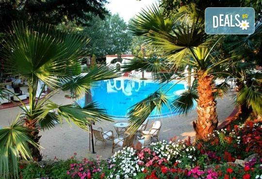 На плаж на Олимпийската ривиера в Гърция! Уикенд екскурзия, 1 нощувка със закуска и вечеря в хотел Orfeas Skotina, транспорт, застраховка - Снимка 9