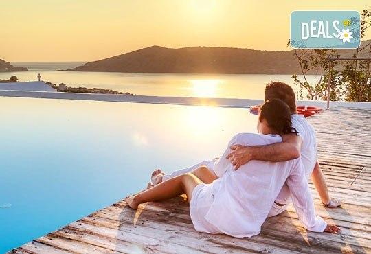 На плаж на Олимпийската ривиера в Гърция! Уикенд екскурзия, 1 нощувка със закуска и вечеря в хотел Orfeas Skotina, транспорт, застраховка - Снимка 1