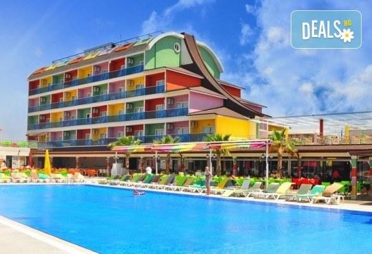 Почивка за Септемврийските празници в Blue Paradise Side Hotel & Spa 4*, Сиде! 7 нощувки на база All Inclusive, ползване на турска баня, басейн, чадър и шезлонг, възможност за транспорт! - Снимка 1