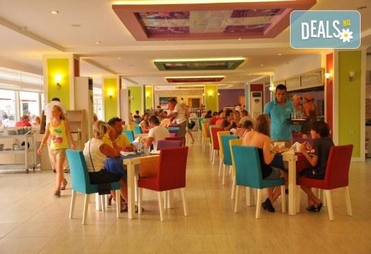 Почивка за Септемврийските празници в Blue Paradise Side Hotel & Spa 4*, Сиде! 7 нощувки на база All Inclusive, ползване на турска баня, басейн, чадър и шезлонг, възможност за транспорт! - Снимка 4