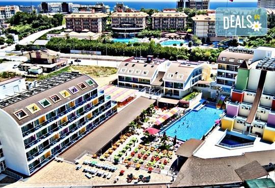 Почивка за Септемврийските празници в Blue Paradise Side Hotel & Spa 4*, Сиде! 7 нощувки на база All Inclusive, ползване на турска баня, басейн, чадър и шезлонг, възможност за транспорт! - Снимка 2