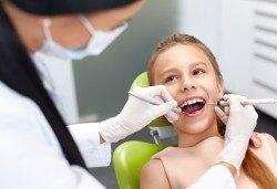 Поставяне на силант на постоянен детски зъб и обстоен преглед със снемане на зъбен статус от Дентален кабинет д-р Снежина Цекова! - Снимка
