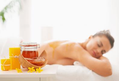 Здраве и красота за Вашето тяло! Детоксикираща терапия с мед на гръб и крака в студио за красота Jessica, Варна! - Снимка