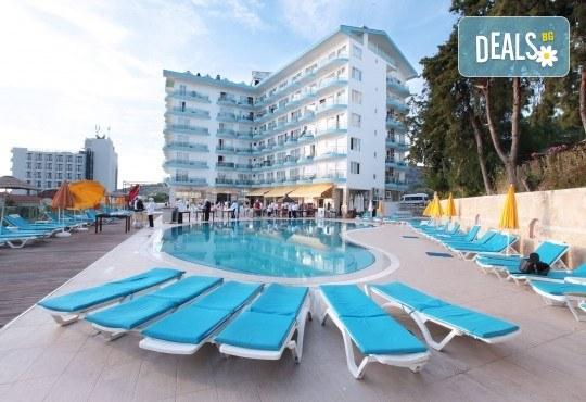 Лятна почивка в Arora Hotel 4*, Кушадасъ: 5 или 7 нощувки на база All Inclusive