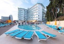 Лятна почивка в Arora Hotel 4*, Кушадасъ,Турция! 5 или 7 нощувки на база All Inclusive, възможност за транспорт - Снимка