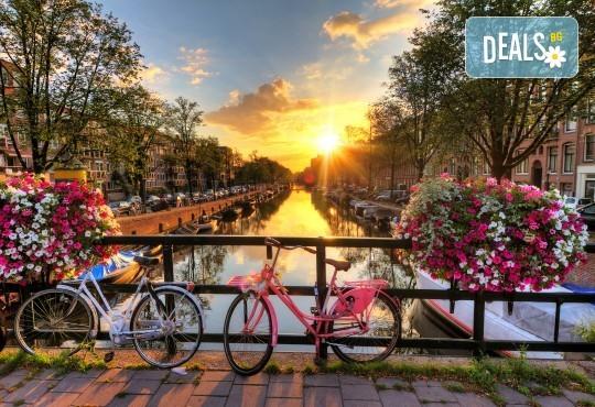 Екскурзия до Холандия за Фестивала на лалетo и парада на цветята! 9 нощувки и закуски, транспорт и посещение на Амстердам, Будапеща, Прага, Залцбург, Мюнхен и Брюксел! - Снимка 1