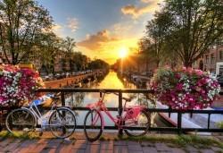 Ранни записвания за 2019-та на супер цена! Екскурзия до Холандия за Фестивала на лалетата с 9 нощувки и закуски, транспорт и посещение на Амстердам, Будапеща, Прага, Залцбург, Мюнхен и Брюксел! - Снимка