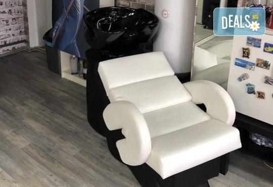 Нова прическа! Боядисване с боя на клиента, кератинова терапия и прав сешоар в салон Diva! - Снимка 8