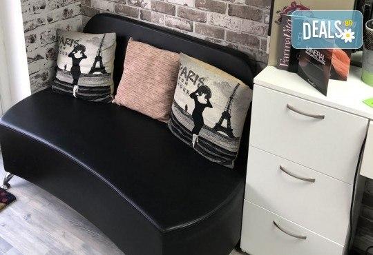 Нова прическа! Боядисване с боя на клиента, кератинова терапия и прав сешоар в салон Diva! - Снимка 5