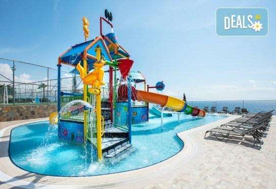 На море в Кушадъсъ през септември или октомври! 7 нощувки на база Ultra All inclusive в хотел Sea Light Resort 5*, възможност за транспорт - Снимка 2