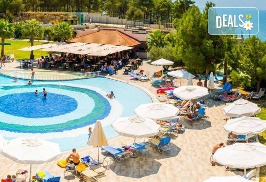 На море в Кушадъсъ през септември или октомври! 7 нощувки на база Ultra All inclusive в хотел Sea Light Resort 5*, възможност за транспорт - Снимка 5