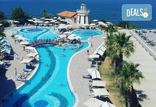 На море в Кушадъсъ през септември или октомври! 7 нощувки на база Ultra All inclusive в хотел Sea Light Resort 5*, възможност за транспорт - Снимка 6