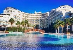 На море в Кушадъсъ през септември или октомври! 7 нощувки на база Ultra All inclusive в хотел Sea Light Resort 5*, възможност за транспорт - Снимка