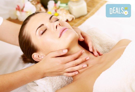 Дълбоко релаксиращ масаж на цяло тяло с кристали и масажни масла на френска био козметика Blue Marine, зонотерапия на стъпала и бонус: масаж на лице с кристали в Anima Beauty&Relax - Снимка 2