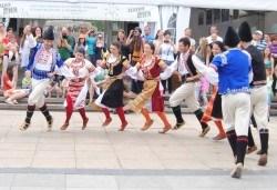От септември! Четири урока по народни танци с нова група на танцова школа Дивля, от Sofia International Music & Dance Academy! - Снимка