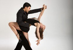 Четири урока по латино танци при Силвия Лазарова - професионален танцьор и инструктор по латино и спортни танци, в Sofia International Music & Dance Academy! - Снимка