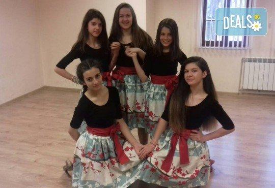 Две или четири посещения за деца от 3 до 16 год. на детска вокална група Палави ноти в Sofia International Music & Dance Academy! - Снимка 4