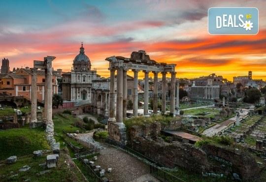 Всички пътища водят до Рим през август или септември! 3 нощувки със закуски в хотел 3*/4*, самолетен билет и летищни такси! - Снимка 5