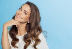 Терапия против косопад с инфраред преса и ампула, подстригване и прическа със сешоар от фризьор Нели Борисова! - Снимка