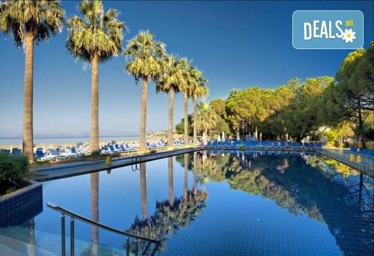 Изпратете лятото с луксозна почивка в Omer Holiday Resort 4* в Кушадасъ! 7 нощувки на база All Inclusive и възможност за транспорт! - Снимка 2
