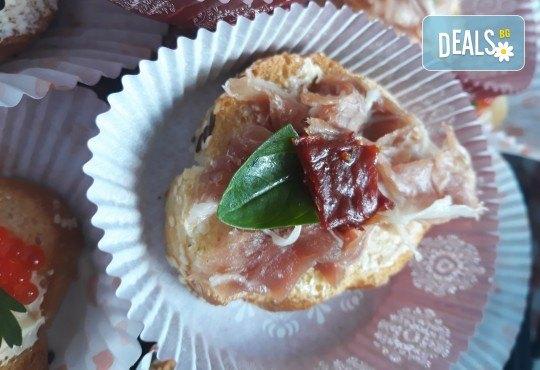 Микс плато от 30 броя мини сандвичи с месни деликатеси, сирена и зеленчуци от My Style Event! - Снимка 4