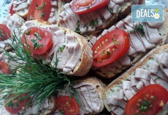 Микс плато от 30 броя мини сандвичи с месни деликатеси, сирена и зеленчуци от My Style Event! - Снимка 2