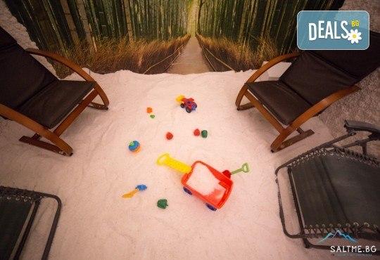 Пълно обновяване с магията на солта и меда! Солна стая с халотерапия 40мин, меден детокс масаж на гръб или избрана зона и дълбока хидратация, от Thai SPA! - Снимка 3