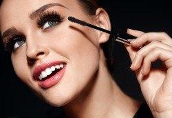 Красив поглед! Поставяне на диамантени мигли по метода косъм по косъм в студио Mateya Art! - Снимка