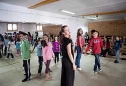 Четири посещения на танцова и тетрална импровизация за деца в Sofia International Music & Dance Academy! - Снимка