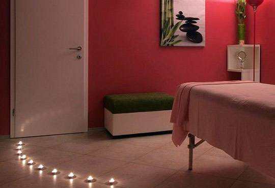 Пълен релакс! Дълбоко релаксиращ болкоуспокояващ масаж на цяло тяло с билкови масла и подарък: масаж на скалп в луксозния Senses Massage & Recreation - Снимка 6