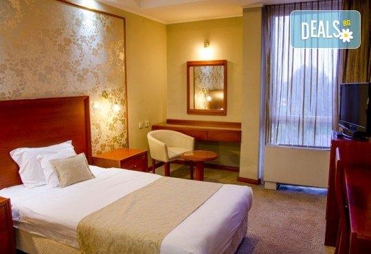 Посрещнете Новата 2019 година в Хотел Continental 4*, Скопие, Македония! 2 нощувки със закуски, транспорт и екскурзовод от Еко Тур! - Снимка 3