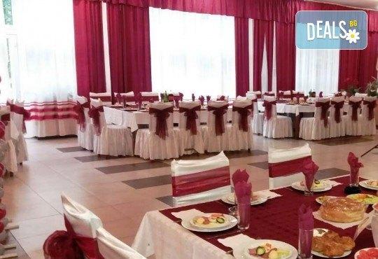 Нова година в Сокобаня, Сърбия, с Джуанна Травел! 3 нощувки в хотел Сокоград, на база All inclusive и включена Новогодишна вечеря, възможност за транспорт - Снимка 2