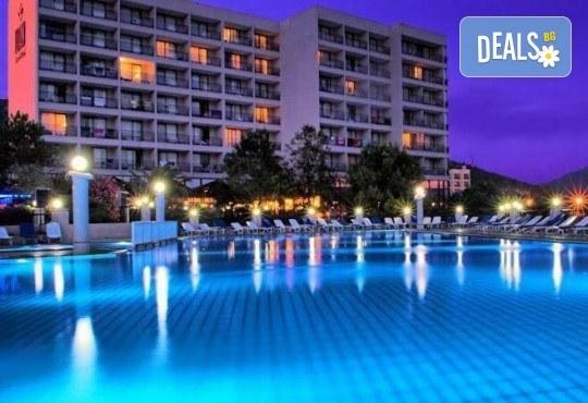 На море в Кушадасъ, Турция, с Глобус Холидейс! 7 нощувки All Inclusive в хотел Tusan Beach Resort 5*, безплатно за дете до 12 г., собствен транспорт - Снимка 1
