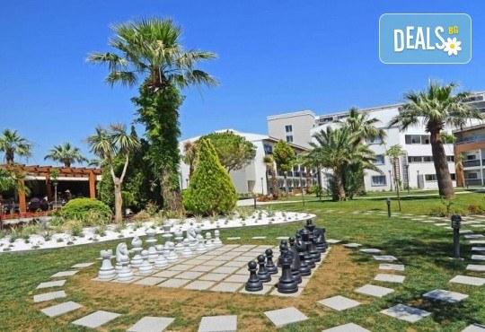 На море в Кушадасъ, Турция, през септември или октомври! 7 нощувки на база All Inclusive в Palm Wings Kusadasi Beach Resort&Spa 5* и възможност за транспорт! - Снимка 12