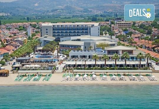 На море в Кушадасъ, Турция, през септември или октомври! 7 нощувки на база All Inclusive в Palm Wings Kusadasi Beach Resort&Spa 5* и възможност за транспорт! - Снимка 1