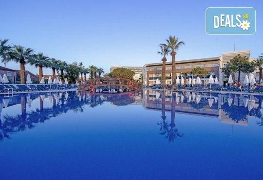 На море в Кушадасъ, Турция, през септември или октомври! 7 нощувки на база All Inclusive в Palm Wings Kusadasi Beach Resort&Spa 5* и възможност за транспорт! - Снимка 3