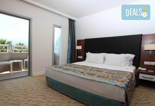 На море в Кушадасъ, Турция, през септември или октомври! 7 нощувки на база All Inclusive в Palm Wings Kusadasi Beach Resort&Spa 5* и възможност за транспорт! - Снимка 4