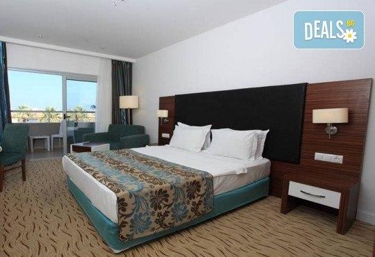 На море в Кушадасъ, Турция, през септември или октомври! 7 нощувки на база All Inclusive в Palm Wings Kusadasi Beach Resort&Spa 5* и възможност за транспорт! - Снимка 5
