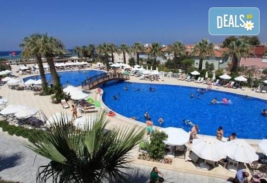 На море в Кушадасъ, Турция, през септември или октомври! 7 нощувки на база All Inclusive в Palm Wings Kusadasi Beach Resort&Spa 5* и възможност за транспорт! - Снимка 2