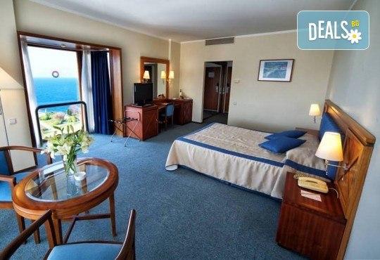 На море през септември в Чешме, Турция, с Глобус Холидейс! 7 нощувки All Inclusive в хотел Grand Hotel Ontur Cesme 5*, безплатно за дете до 12 г. - Снимка 4
