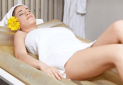 Пълен релакс за тялото и ума с 55-минутен хавайски масаж ломи-ломи на водно легло в Anima Beauty&Relax! - Снимка