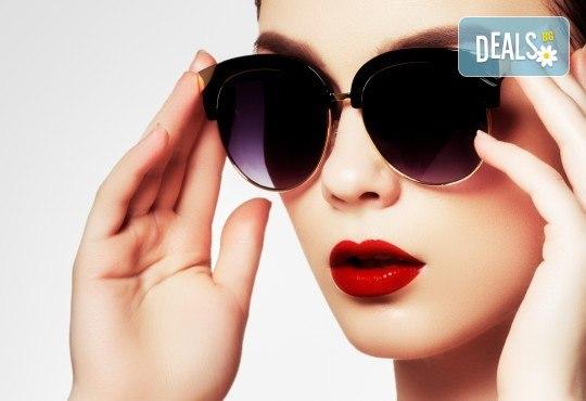 Безиглено влагане на хиалуронова киселина за попълване на бръчки на челото или за уголемяване на устни във Flying Butterfly Beauty Studio! - Снимка 1