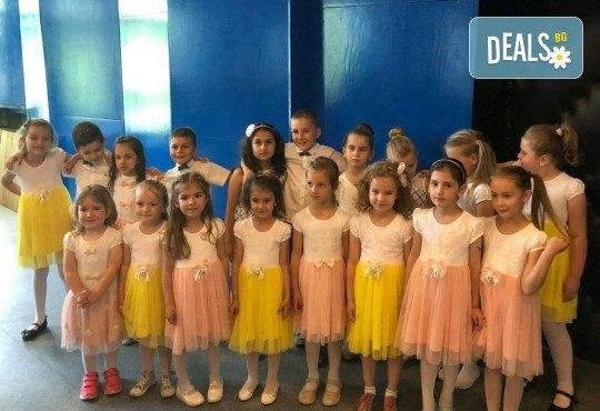 Открийте таланта на Вашето дете! 1 или 4 посещения на детска вокална група Палави ноти в Sofia International Music & Dance Academy! - Снимка 3