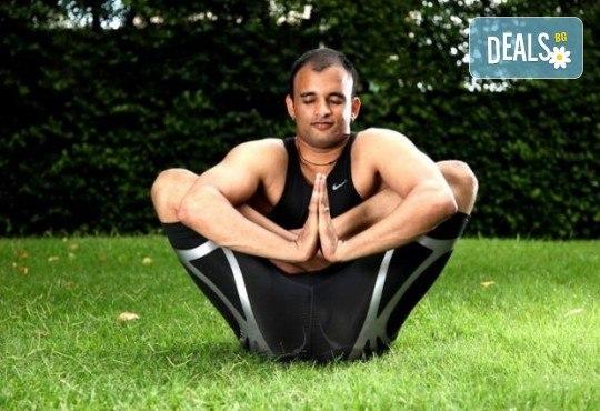 Хармония за тялото и ума! 2 или 4 посещения на йога с д-р Аман Суд в Sofia International Music & Dance Academy! - Снимка 4